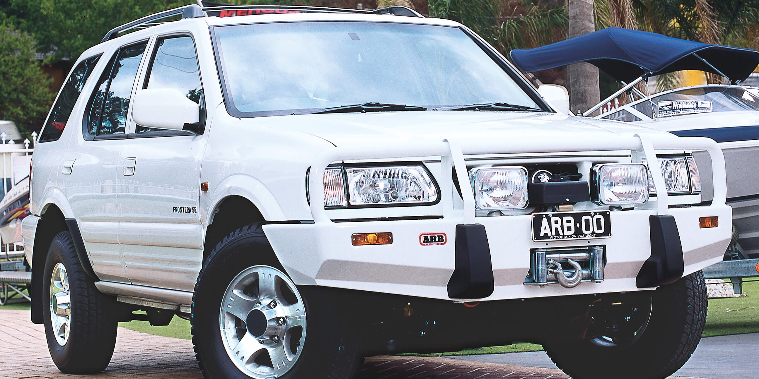 ARB USA   BUMPERS & PROTECTION EQUIPMENT